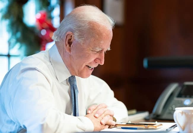 Biden Heads To Chicago To Urge Workplaces To Mandate COVID-19 Vaccinations To Help End Pandemic